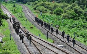 Indian troops on patrol in Assam - Photo: thehindu.com
